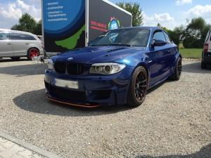 BMW 1er-M-coupe vollbeklebung blau metallic vfv-werbetechnik cfc muenchen12