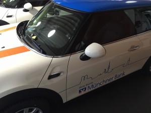 Beschriftung Flotte Muenchner Bank Mini VFV-Werbetechnik muechen06