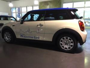 Beschriftung Flotte Muenchner Bank Mini VFV-Werbetechnik muechen15
