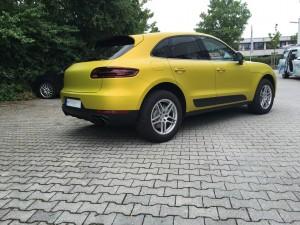 Porsche Macan Vollverklebung 3M Satin Bitter Yellow vfv werbetechnik - 5