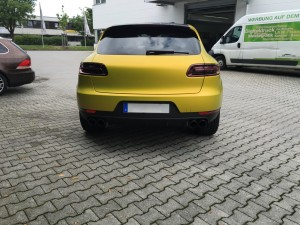 Porsche Macan Vollverklebung 3M Satin Bitter Yellow vfv werbetechnik - 7